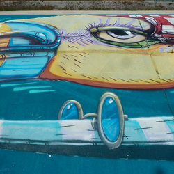Graffiti Street Art pont A9 Montpellier